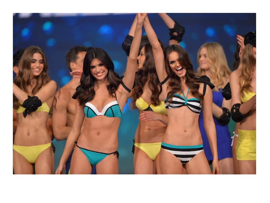 CALZEDONIA SUMMER SHOW ? FOREVER TOGETHER