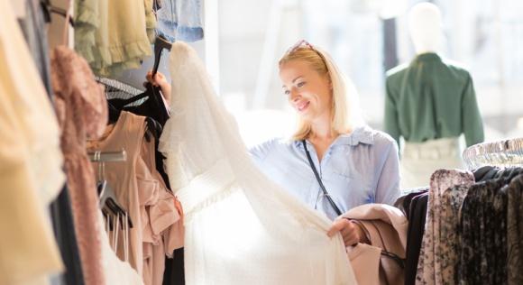 6 rzeczy, które warto kupić w second handzie