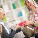 Najlepsze prezenty na Dzień Matki poniżej 50 złotych