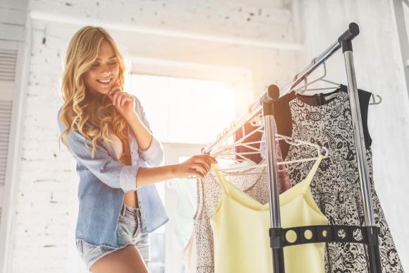 Moda na upały. Jak modnie chronić się przed słońcem?