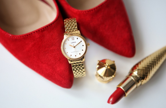 Zegarek - dopełnienie czy podstawa dobrej stylizacji? Moda, LIFESTYLE - Czasy, kiedy zegarki służyły wyłącznie za urządzenie, na które zerkamy tylko w celu sprawdzenia godziny, są za nami. Dziś to już zdecydowanie coś więcej.