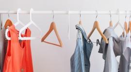 Dlaczego recykling ubrań to największy trend 2020, który musisz poznać? Moda, LIFESTYLE - W ciągu ostatnich 15 lat branża fashion stała się drugim co do wielkości trucicielem środowiska naturalnego. Nic więc dziwnego, że recykling odzieżowy wysuwa się na czołówkę najważniejszych trendów tego roku. O co w nim chodzi i jak wdrożyć go do swojego codziennego życia?